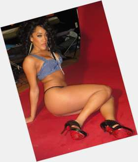 Natalie Nunn black hair & hairstyles Voluptuous body,