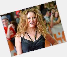 "<a href=""/hot-women/natasha-lyonne/is-she-bi-married-straight-drugs-queer"">Natasha Lyonne</a> Average body,  blonde hair & hairstyles"