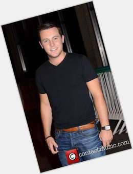 Nathan Carter dark brown hair & hairstyles Average body,