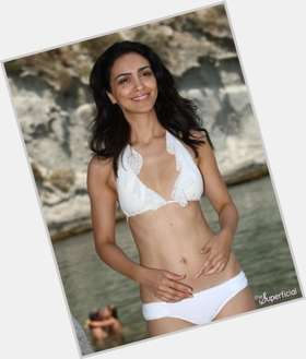 "<a href=""/hot-women/nazanin-boniadi/is-she-still-scientologist-married-dating-what-religion"">Nazanin Boniadi</a> Slim body,  dark brown hair & hairstyles"