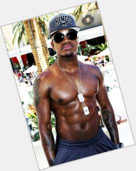 "<a href=""/hot-men/ne-yo/is-he-married-dating-chilli-chinese-neyo-coming"">Ne Yo</a> Average body,  black hair & hairstyles"