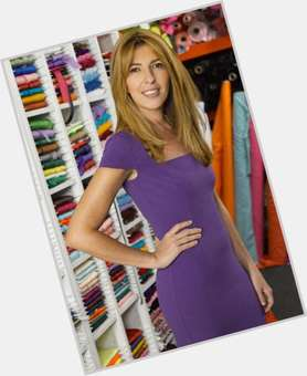 "<a href=""/hot-women/nina-garcia/is-she-married-still-pregnant-related-lorena-mom"">Nina Garcia</a> Slim body,  dark brown hair & hairstyles"