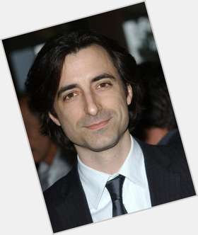 "<a href=""/hot-men/noah-baumbach/is-he-agent"">Noah Baumbach</a> Slim body,  dark brown hair & hairstyles"