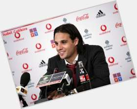 Nuno Gomes dark brown hair & hairstyles Athletic body,