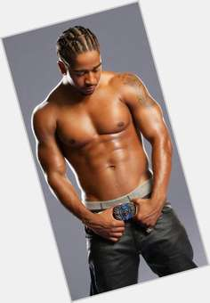 "<a href=""/hot-men/omarion-grandberry/is-he-married-and-marques-houston-brothers-where"">Omarion Grandberry</a> Athletic body,  dark brown hair & hairstyles"