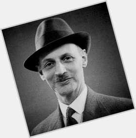 "<a href=""/hot-men/otto-frank/is-he-still-alive-today-died-hero-where"">Otto Frank</a> Slim body,  black hair & hairstyles"