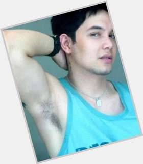 "<a href=""/hot-men/paolo-ballesteros/is-he-married-related-vic-sotto-dating-wife"">Paolo Ballesteros</a> Average body,  dark brown hair & hairstyles"