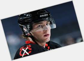 "<a href=""/hot-men/patrick-kane/is-he-married-video-real-commercial-alternate-captain"">Patrick Kane</a> Athletic body,  light brown hair & hairstyles"
