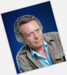 "<a href=""/hot-men/patrick-mcgoohan/is-he-still-alive-dies-where-buried-tall"">Patrick Mcgoohan</a> Average body,  grey hair & hairstyles"