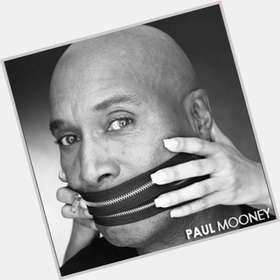 "<a href=""/hot-men/paul-mooney/is-he-racist-sick-homosexual-married-white-woman"">Paul Mooney</a> Average body,  bald hair & hairstyles"