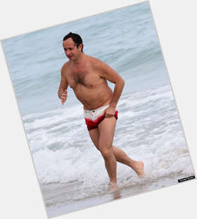 "<a href=""/hot-men/pauly-shore/is-he-married-still-alive-funny-retarded-related"">Pauly Shore</a> Slim body,  dark brown hair & hairstyles"
