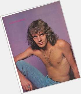 "<a href=""/hot-men/peter-frampton/is-he-married-still-alive-good-guitarist-hall"">Peter Frampton</a> Average body,  grey hair & hairstyles"