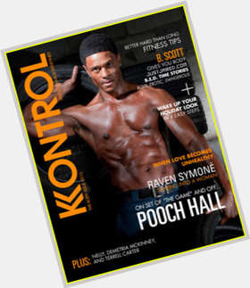 "<a href=""/hot-men/pooch-hall/is-he-still-married-mixed-coming-back-game"">Pooch Hall</a> Average body,  black hair & hairstyles"