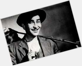 "<a href=""/hot-men/raj-kapoor/is-he-wife-alive-punjabi-pathan-still-sikh"">Raj Kapoor</a> Average body,  black hair & hairstyles"