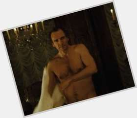 "<a href=""/hot-men/ralph-fiennes/is-he-married-related-liam-neeson-joseph-nice"">Ralph Fiennes</a> Slim body,  light brown hair & hairstyles"