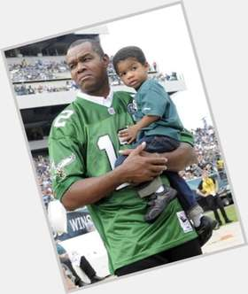 "<a href=""/hot-men/randall-cunningham/is-he-hall-fame-madden-25-number-retired"">Randall Cunningham</a> Athletic body,  black hair & hairstyles"