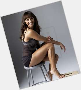"<a href=""/hot-women/rashida-jones/is-she-black-single-half-pregnant-married-hot"">Rashida Jones</a> Slim body,  dark brown hair & hairstyles"