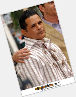"<a href=""/hot-men/raymond-cruz/is-he-married-closer-weeds-actor-dating-tall"">Raymond Cruz</a> Average body,  black hair & hairstyles"