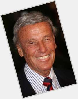 "<a href=""/hot-men/richard-anderson/is-he-still-alive-dean-married-sick-nice"">Richard Anderson</a> Average body,  dark brown hair & hairstyles"