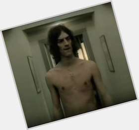 "<a href=""/hot-men/richard-ashcroft/is-he-christian-drugs-married-touring-ugly-junkie"">Richard Ashcroft</a> Athletic body,  dark brown hair & hairstyles"