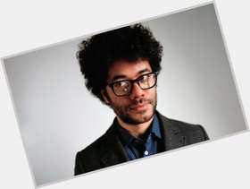 "<a href=""/hot-men/richard-ayoade/is-he-black-autistic-dad-twitter-mighty-boosh"">Richard Ayoade</a> Slim body,  black hair & hairstyles"