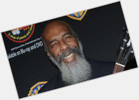 "<a href=""/hot-men/richie-havens/is-he-still-alive-married-blind-sick-ill"">Richie Havens</a> Average body,  bald hair & hairstyles"