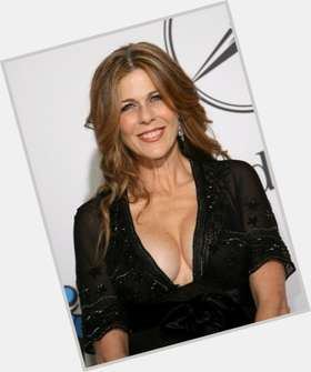 "<a href=""/hot-women/rita-wilson/is-she-colin-hanks-mother-pregnant-married-tom"">Rita Wilson</a> Average body,  light brown hair & hairstyles"