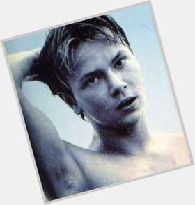 "<a href=""/hot-men/river-phoenix/is-he-still-alive-joaquin-phoenixs-brother-movie"">River Phoenix</a> Athletic body,  light brown hair & hairstyles"