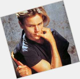 River Phoenix light brown hair & hairstyles Athletic body,