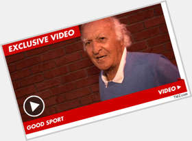 "<a href=""/hot-men/robert-loggia/is-he-alive-still-christian-family-guy-much"">Robert Loggia</a> Average body,  grey hair & hairstyles"