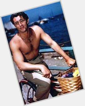 Robert Mitchum dark brown hair & hairstyles Athletic body,
