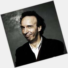 "<a href=""/hot-men/roberto-benigni/is-he-married-still-alive-what-famous-doing"">Roberto Benigni</a> Slim body,  light brown hair & hairstyles"