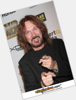 "<a href=""/hot-men/ron-keel/is-he-where"">Ron Keel</a> Average body,  dark brown hair & hairstyles"