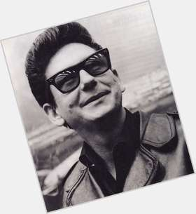 "<a href=""/hot-men/roy-orbison/is-he-blind-alive-or-legally-albino"">Roy Orbison</a> Average body,  black hair & hairstyles"