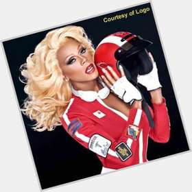 "<a href=""/hot-men/rupaul/is-he-married-sick-netflix-homosexual-orange-new"">Rupaul</a> Slim body,  bald hair & hairstyles"