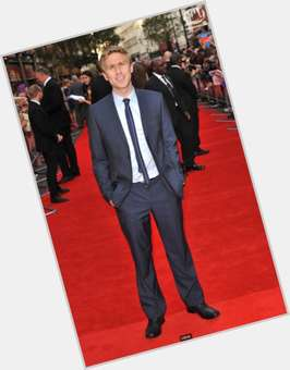 Russell Howard dark brown hair & hairstyles Athletic body,