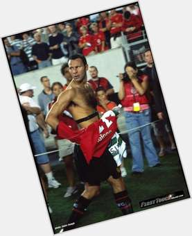 "<a href=""/hot-men/ryan-giggs/is-he-retired-black-half-married-still-playing"">Ryan Giggs</a> Athletic body,  light brown hair & hairstyles"