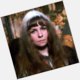 "<a href=""/hot-women/sandy-denny/is-she-death-where-buried-what-true-chords"">Sandy Denny</a> Average body,  dark brown hair & hairstyles"
