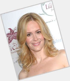 "<a href=""/hot-women/sarah-paulson/is-she-dating-amanda-peet-jessica-lange-married"">Sarah Paulson</a> Slim body,  blonde hair & hairstyles"