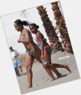 "<a href=""/hot-women/sasha-obama/is-she-dating-real-natasha-autistic-adopted-oldest"">Sasha Obama</a> Average body,  black hair & hairstyles"