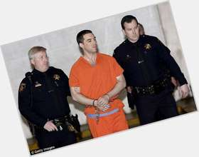 "<a href=""/hot-men/scott-peterson/is-he-death-row-yet-still-alive-sociopath"">Scott Peterson</a> Average body,  light brown hair & hairstyles"