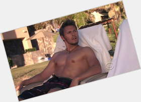 "<a href=""/hot-men/scott-clifton/is-he-married-vegetarian-leaving-bold-and-beautiful"">Scott Clifton</a> Athletic body,  dark brown hair & hairstyles"
