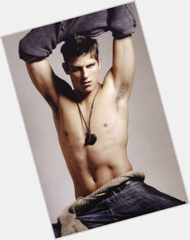 Sean Faris dark brown hair & hairstyles Athletic body,