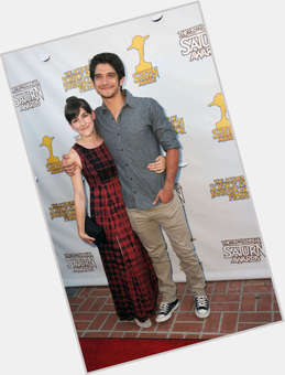 "<a href=""/hot-women/seana-gorlick/is-she-tyler-posey-dating"">Seana Gorlick</a> Average body,  light brown hair & hairstyles"