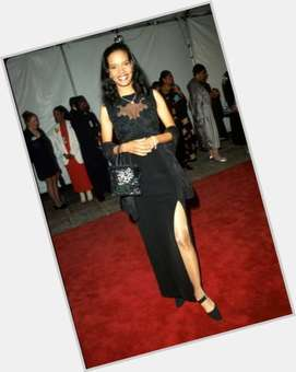 "<a href=""/hot-women/shari-headley/is-she-mixed-married-race-black-still-att"">Shari Headley</a> Slim body,  black hair & hairstyles"