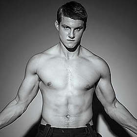 Alexander Ludwig New Shirtless Pic