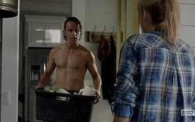 Andrew Lincoln Shower Scene in The Walking Dead Latest Episode 5×12