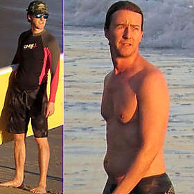 Edward Norton New Shirtless Pic