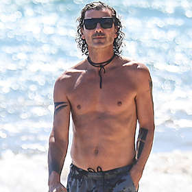 Gavin Rossdale is Shirtless