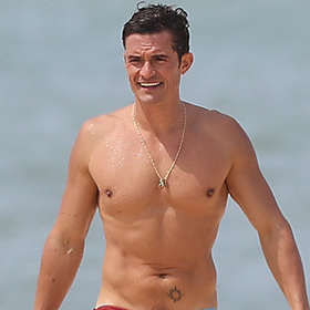 Orlando Bloom is Shirtless